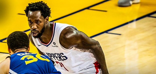 Patrick Beverley, ante Stephen Curry.