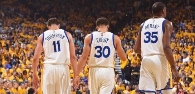 Stephen Curry, Klay Thompson y Kevin Durant, jugadores de Golden State Warriors.