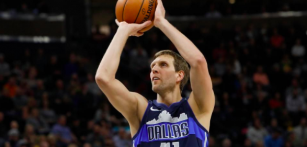 Dirk Nowitzki, con la camiseta de Dallas Mavericks.