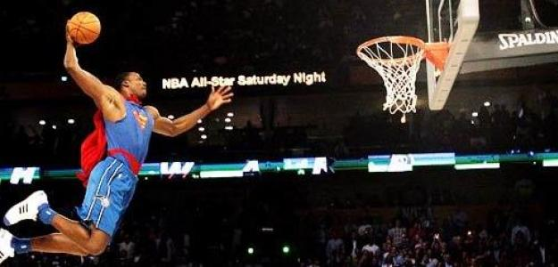 Dwight Howard ganó la edición del año 2008 volando como Superman