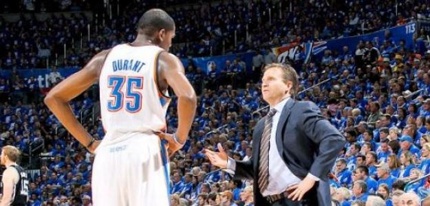 Scott Brooks y Kevin Durant