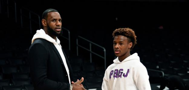 LeBron James y su hijo, Bronny James.