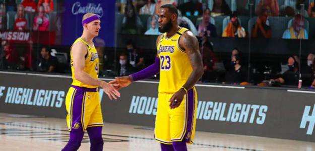 LeBron James y Alex Caruso, en el Lakers-Rockets.