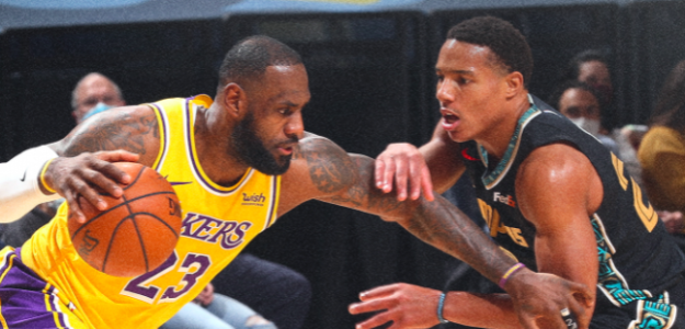 LeBron James lideró a los Lakers ante los Grizzlies.