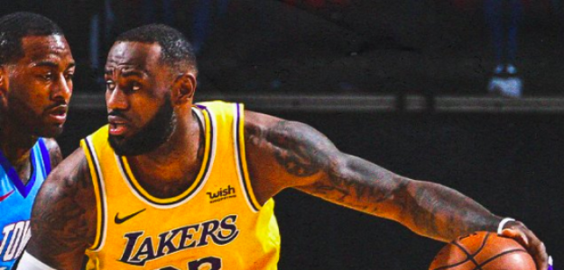 LeBron James firmó un partidazo ante Houston Rockets.