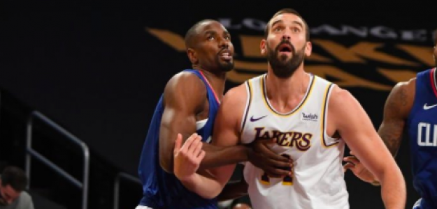 Marc Gasol, frente a Serge Ibaka en el Lakers-Clippers.
