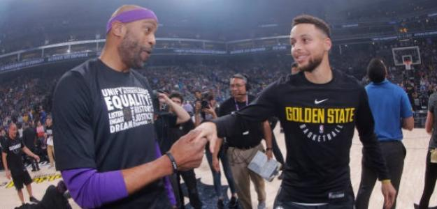Vince Carter y Stephen Curry.